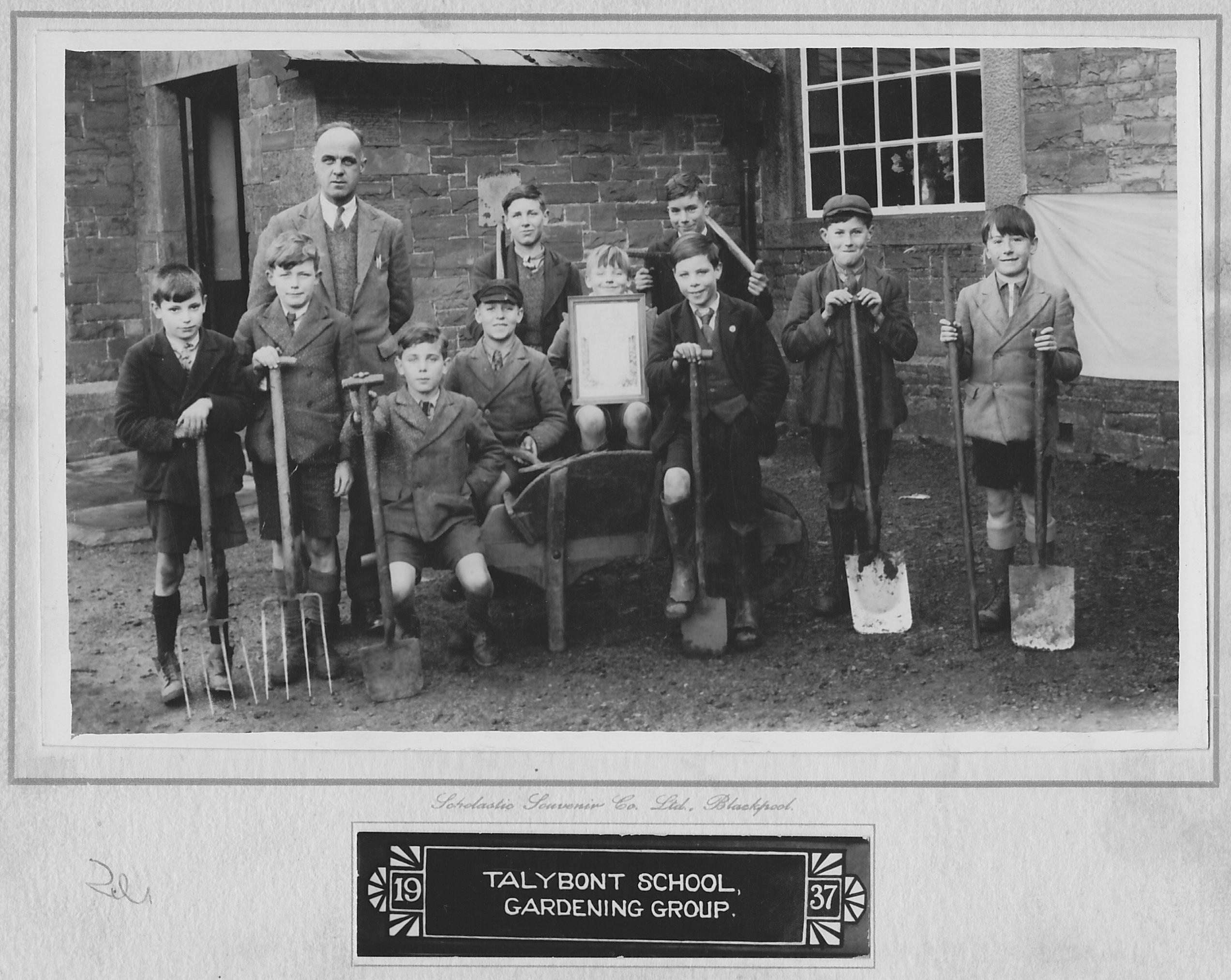 Talybont School gardening 1937