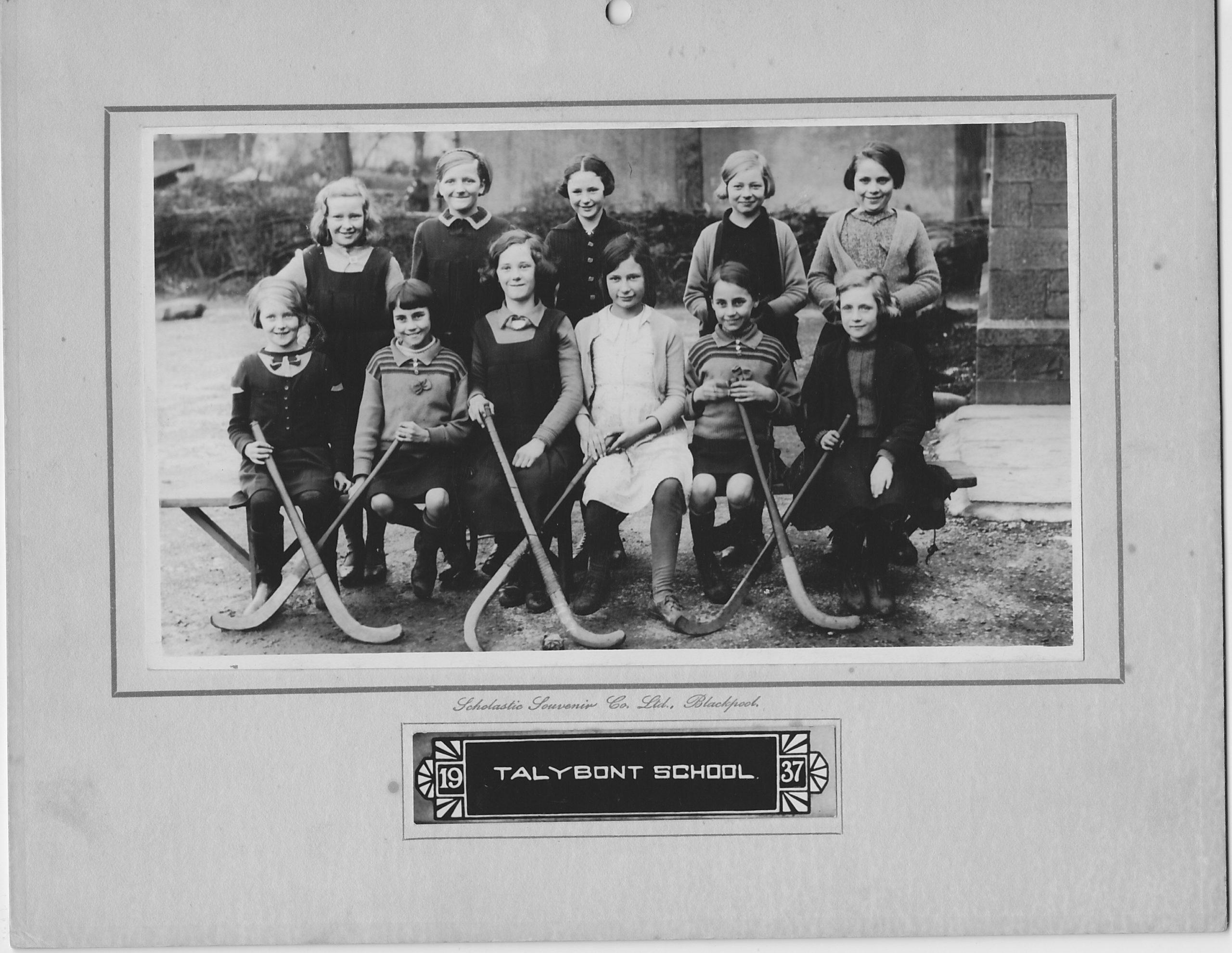Talybont School Hockey Team 1937