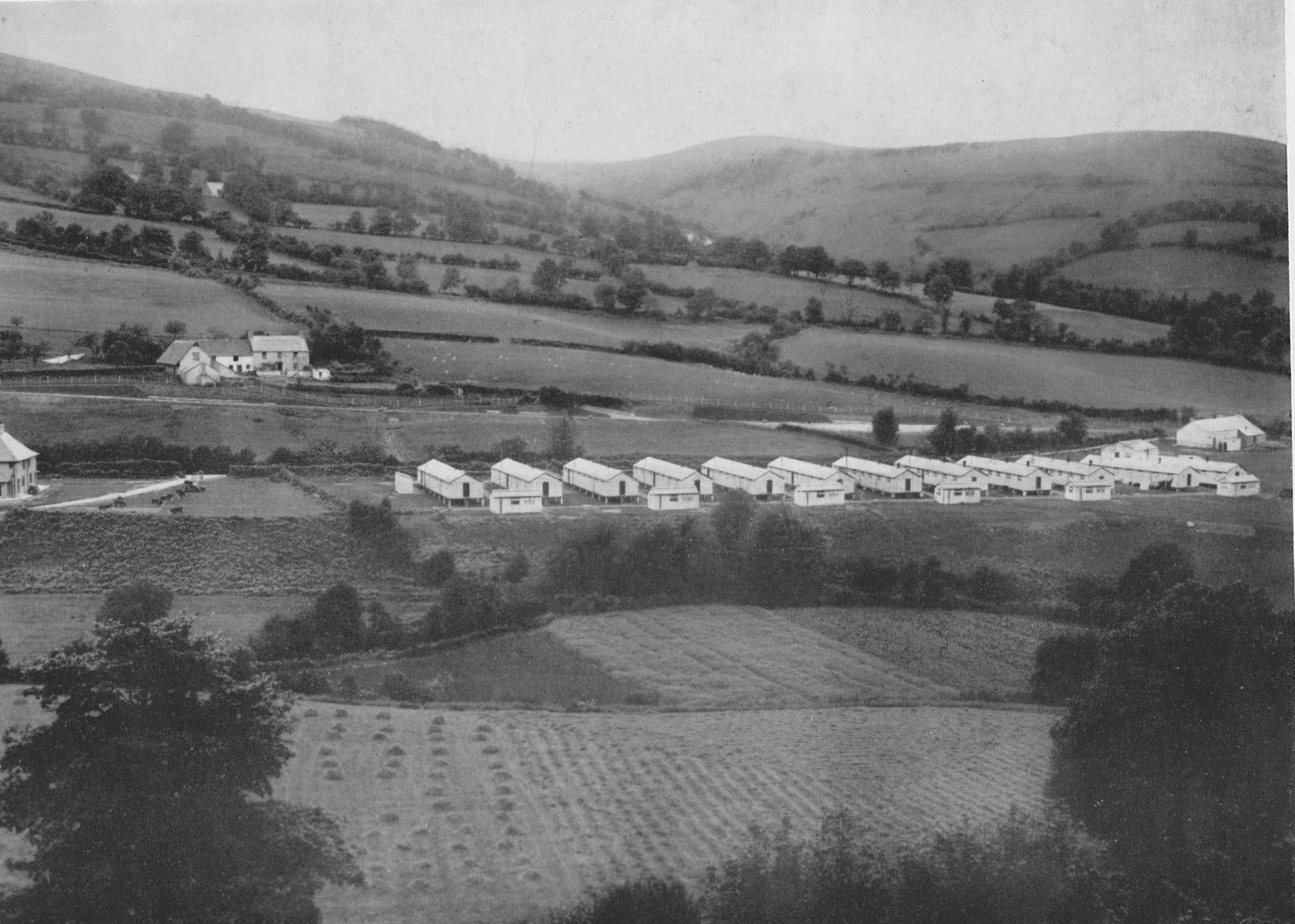 Reservoir workforce huts 1931