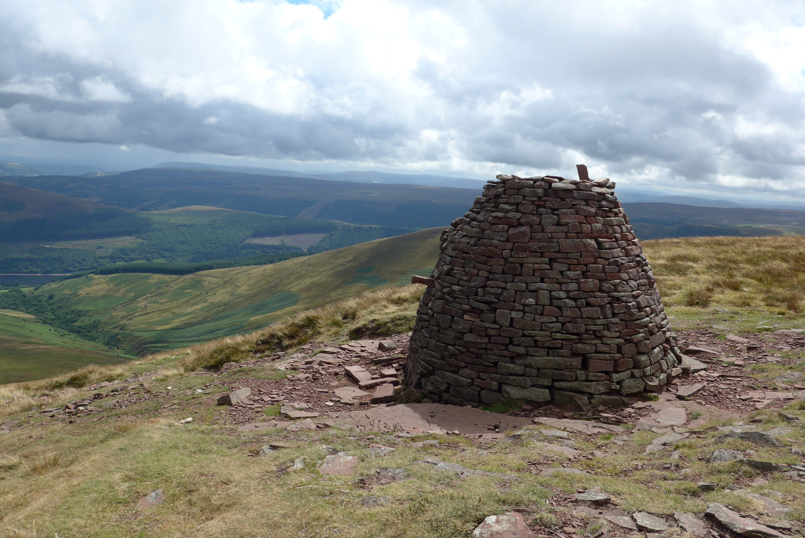 Cairn Pica Bronze Age burial site
