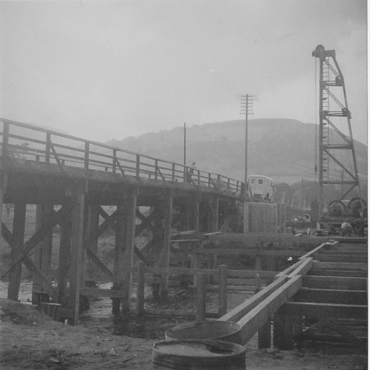 Rebuiling the Usk railway bridge